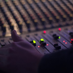 mixing_console_300